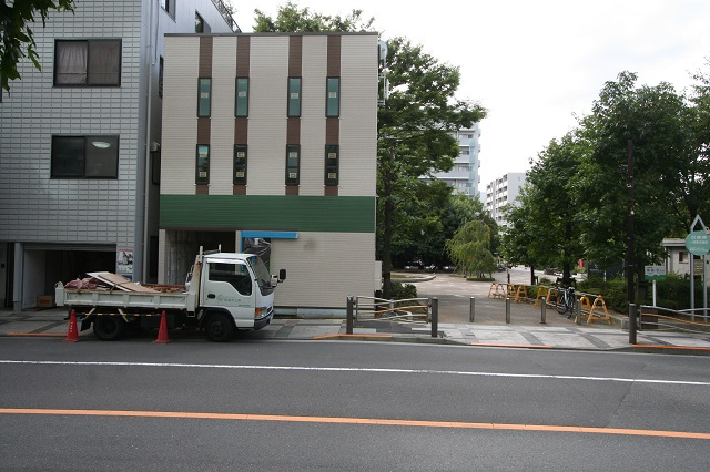 錦糸町の新築現場、外壁施工が完了です